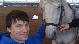 1,4 миллиона тенге собрали на специальную коляску для экс-футболиста сборной Казахстана