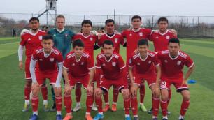 Футболистам казахстанского клуба урезали зарплату наполовину