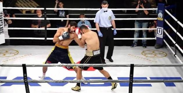 Боксер впервые за шесть лет карьеры выиграл бой нокаутом
