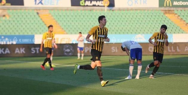 Чемпионат Казахстана по футболу снова приостановлен