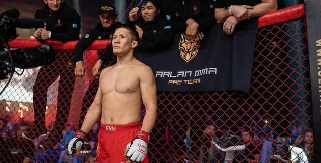 Казахстанского бойца поместили на карантин перед дебютным боем в UFC