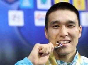 Чемпион Азии по боксу из Казахстана после перехода в профи подписал контракт с промоутером