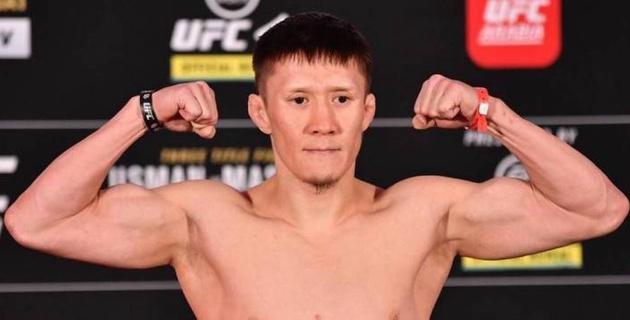 Казахстанец Жумагулов получил 20 процентов от гонорара соперника перед дебютом в UFC