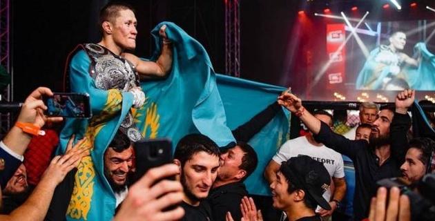 Казахстанец Жалгас Жумагулов дебютировал в UFC с поражения