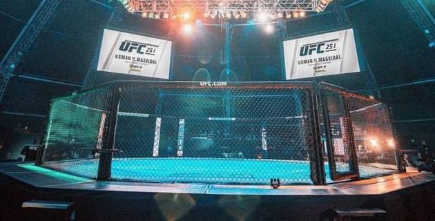 Первый бой в UFC на Бойцовском острове с дебютом казахстанца Жумагулова закончился нокаутом