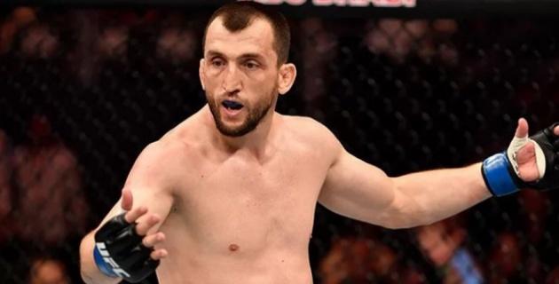 После поражения Жумагулова и двух россиян. Первый боец из СНГ выиграл бой на Бойцовском острове UFC