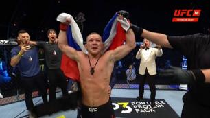 Работающий с казахстанским менеджером новый чемпион UFC из России прокомментировал свою победу