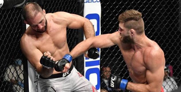 Экс-претендент на титул UFC улетел в красивый нокаут на турнире с участием казахстанца Жумагулова