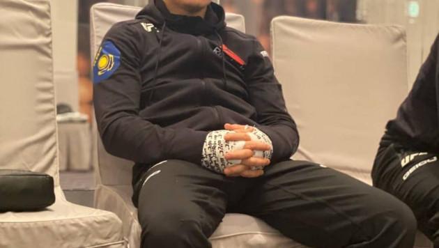 """""""Вы че, блин?!"""". Жумагулов записал видео из-за придуманного заявления о вине тренера в поражении в UFC"""