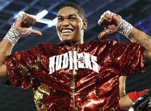 Американский боксер после поражения от Левита ушел в профи и выиграл нокаутом пятый бой подряд