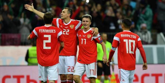 Казахстанец сыграл в шоу-матче с футболистом сборной России, Егором Кридом и легендами CS:GO