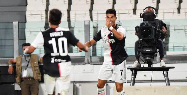 Роналду вышел на второе место по голам в официальных матчах