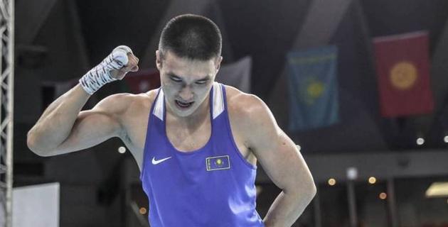 Прямая трансляция вечера бокса с главным боем казахстанца за титулы от WBA, WBC и WBO и дебютом чемпиона Азии