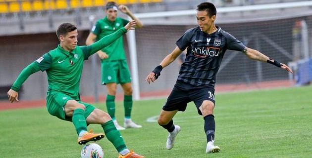 Казахстанский футболист присоединился к бунту против тренера и выпал из состава