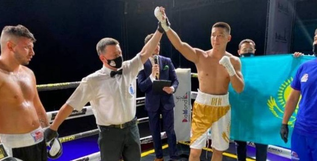 Чемпион Азии по боксу из Казахстана получил место в мировом рейтинге после дебюта в профи с победы нокаутом