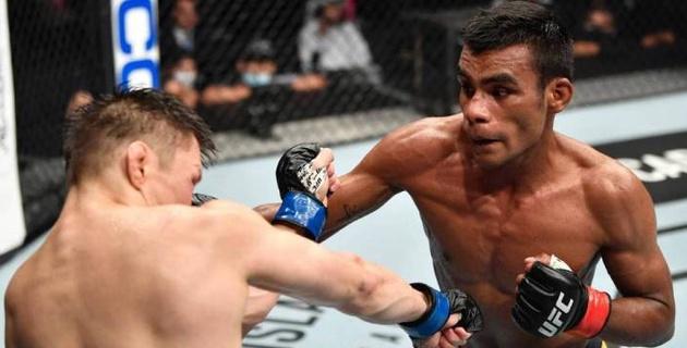Победивший Жумагулова в скандальном бою бразилец продлил контракт с UFC
