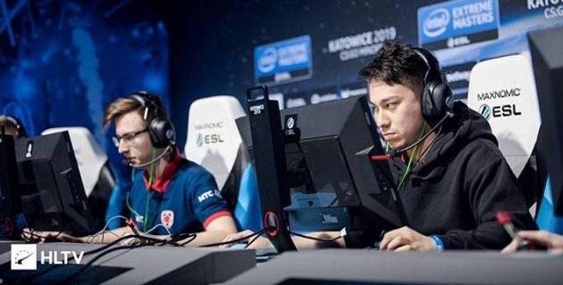 Казахстанская команда одержала победы во всех матчах и обеспечила выход в плей-офф турнира по CS:GO