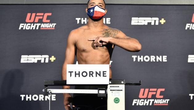Боец потерял сознание перед выходом в октагон на турнире UFC
