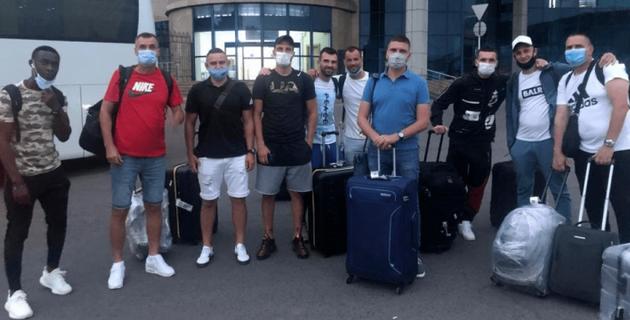 """Тренерский штаб и легионеры """"Каспия"""" прибыли в Казахстан"""