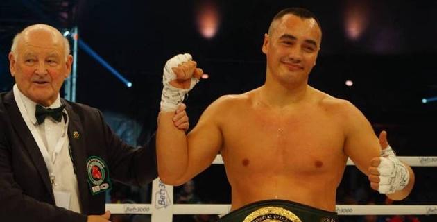 Казахстанский супертяж Кособуцкий нокаутировал экс-соперника чемпиона мира