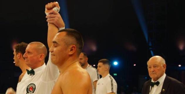 Видео полного боя казахстанского супертяжа Кособуцкого с победой нокаутом