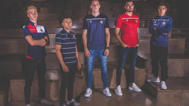 Футболист сборной Казахстана помог европейскому клубу с презентацией новой формы