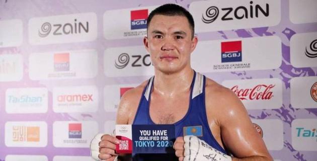 Тренер сборной Казахстана по боксу прокомментировал переход капитана в профи и обратился к промоутерам