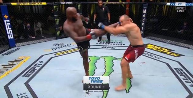 Российский боец проиграл мощным нокаутом в главном бою турнира UFC Fight Night