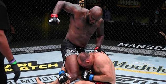 Американский боец установил рекорд UFC по нокаутам после победы над россиянином