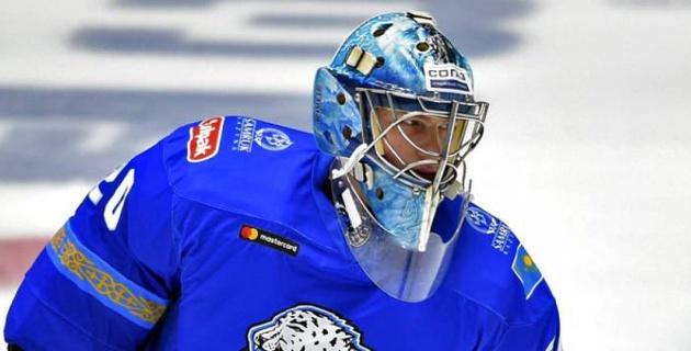 """Вратарь """"Барыса"""" показал новый шлем для КХЛ и объяснил дизайн"""