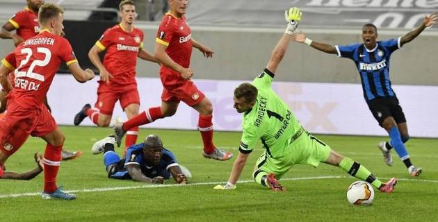 """Вратарь """"Байера"""" назвал позором вылет из Лиги Европы"""