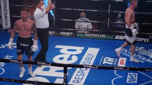 Экс-чемпион мира в двух весах отправил соперника в нокдаун и заставил сдаться