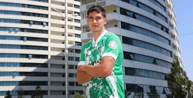 Казахстанский футболист вышел в старте и дебютировал с победы в российской премьер-лиге