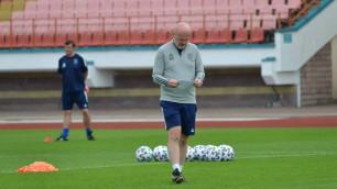 """Две команды и один тренер. Почему """"Астана"""" хочет сменить Билека"""
