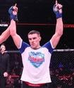 Российский боец нокаутом победил американца и стал чемпионом Bellator