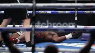 """Видео нокаута, или как Александр Поветкин победил """"временного"""" чемпиона WBC после двух нокдаунов"""