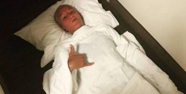 Марию Агапову увезли в больницу на носилках после первого поражения в UFC