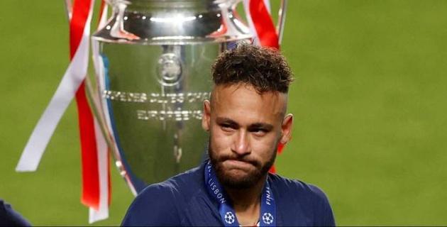 Неймар расплакался после поражения в финале ЛЧ. Фанаты ПСЖ устроили погром в Париже