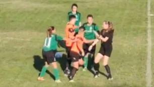 Футболистки подрались во время матча в Молдавии
