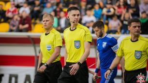 Казахстанский судья поставил два пенальти и удалил одного игрока в матче Лиги Европы