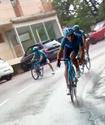 """Капитан """"Астаны"""" влетел в дорожный знак на первом этапе """"Тур де Франс"""""""