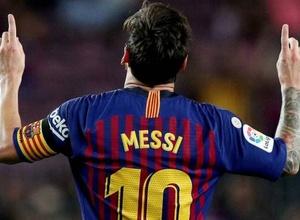 """Месси остается в """"Барселоне"""". Он заявил об обмане и невозможности уйти из клуба"""