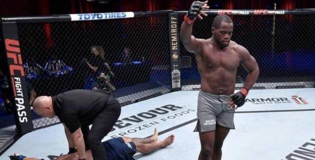Боец из Камеруна жестко нокаутировал соперника и получил контракт в UFC