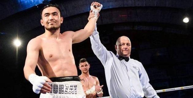Непобежденный казахстанский боксер расстался с промоутером