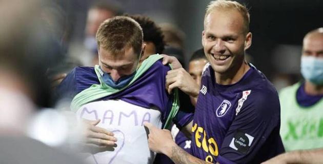 Два матча за сборную, 16 часов до Бельгии, семь минут на гол и поздравление маме. Неделя из жизни Яна Вороговского