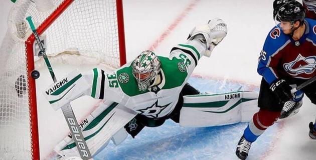 """Воспитанник казахстанского хоккея установил рекорд """"Далласа"""" по сейвам в плей-офф НХЛ"""