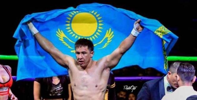 Казахстанский боксер прошел взвешивание перед боем с узбеком за титулы от WBC и WBA