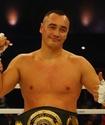 Казахстанский супертяж прокомментировал выбор соперника из США с 15 нокаутами для боя за два титула