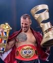 Экс-обладатель двух титулов решением победил несостоявшегося соперника Шуменова в финале Суперсерии