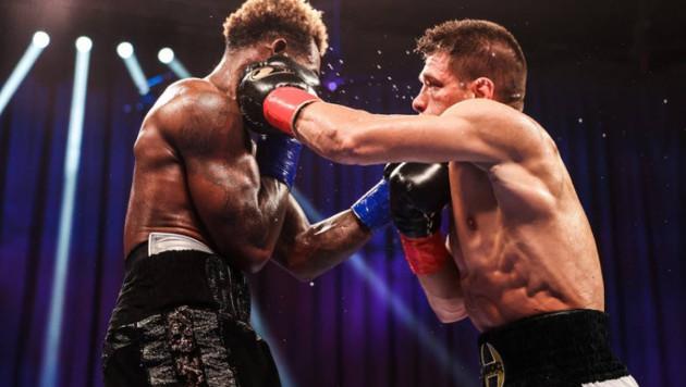 Деревянченко превзошел Чарло по силовым ударам в бою за титул WBC